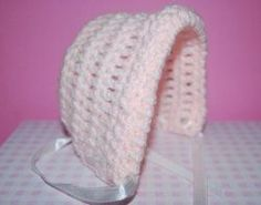 On this page How to make a crochet Babys Bonnet with free easy baby crochet cap patterns. These gorgeous baby bonnets are so easy to crochet,...