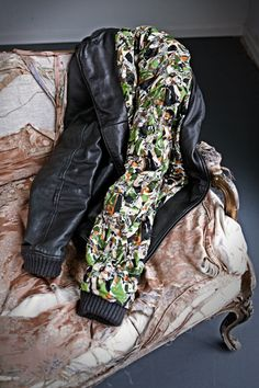 How to paint a leather jacket (shooted by Francesco Cerqua)