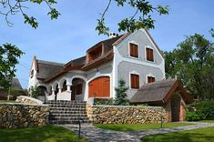 How Beautiful, Beautiful Homes, Cottage Homes, Traditional House, Country Living, Hungary, Countryside, Sweet Home, Farmhouse