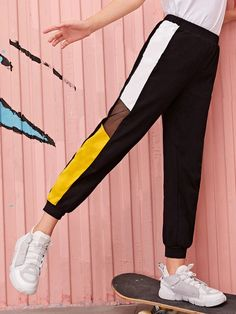 To find out about the Girls Contrast Mesh Colorblock Pants at SHEIN, part of our latest Girls Pants & Leggings ready to shop online today! Cute Comfy Outfits, Sporty Outfits, Stylish Outfits, Cool Outfits, Girls Fashion Clothes, Teen Fashion Outfits, Fashion Pants, Girl Fashion, Cute Sweatpants