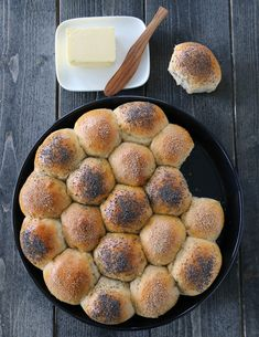 Brytebrød Bremykt Norwegian Food, Piece Of Bread, Some Recipe, Dessert, Griddle Pan, Food For Thought, Muffin, Food And Drink, Favorite Recipes