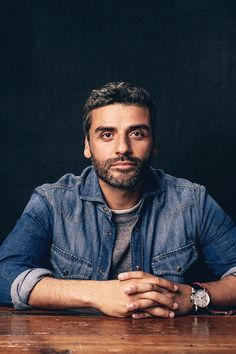 Oscar Isaac poses for the Variety and Shutterstock Portrait Studio at the Toronto International Film Festival in Canada on September 2016 Oscar Isaac, Pretty Men, Gorgeous Men, Pretty Boys, Beautiful People, Kylo Rey, Diego Luna, Pedro Pascal, Handsome Actors