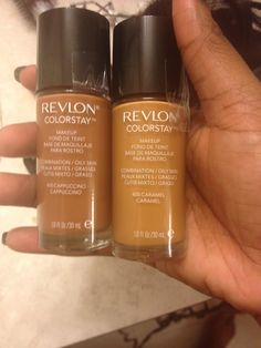 Revlon colorstay in caramel & cappucino.. My new favorite drugstore foundation!! I have to mix the two, but I get a flawless finish & perfect shade match!! ❤️❤️