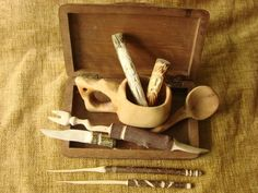 Whittling For Kids, Whittling Projects, Desert Crafts, Whittling Knife, Wood Carving For Beginners, Easy Wood Projects, Project Ideas, Wood Burning Crafts, Wood Scraps