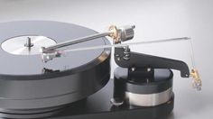 Thales tangential-tracking pivoted tonearm