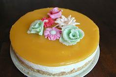 Mango cake with sugarpaste roses