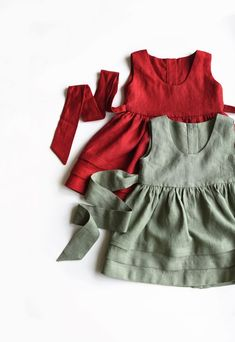 Sage Green Dress Outfit Simple New Ideas Vintage Baby Dresses, Little Girl Dresses, Girls Dresses, Dress Girl, Little Kid Fashion, Toddler Fashion, Fashion Kids, Fashion Fashion, Green Dress Outfit