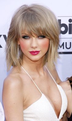 The best Taylor swift hot ideas Taylor Swift Hot, Taylor Swift Country, Estilo Taylor Swift, Taylor Swift Style, Taylor Swift 2017, Taylor Swift Bangs, Taylor Swift Makeup, Beauté Blonde, Taylor Swift Pictures
