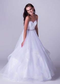 Viola Chan wedding dress, Sweatheart ballgown dress with gorgeous voluminous skirt drama.