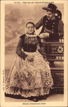 Mariés de Cornouailles, Robe broderies d'or, Bretagne,