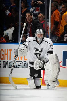 Photo galleries featuring the best action shots from NHL game action. Goalie Gear, Hockey Goalie, Hockey Players, Ice Hockey, Kings Hockey, Nhl Games, Los Angeles Kings, King Baby, My Boys
