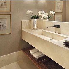 Baño Bad Inspiration, Bathroom Inspiration, Bathroom Design Luxury, Bathroom Interior, Bathroom Toilets, Small Bathroom, Decor Interior Design, Interior Decorating, Elegant Homes