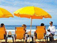 Hire a Beach Butler on Santa Monica Beach, Because... it's L.A. .. sounds like a plan to us! #PerrysCafeandRentals #BeachButler