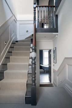 13 Entrance Hall Decor Ideas – The Wonder Cottage - New ideas Edwardian Hallway, Edwardian House, Edwardian Staircase, Victorian Terrace Hallway, Victorian Stairs, Victorian House Interiors, Victorian Homes, Design Living Room, My Living Room