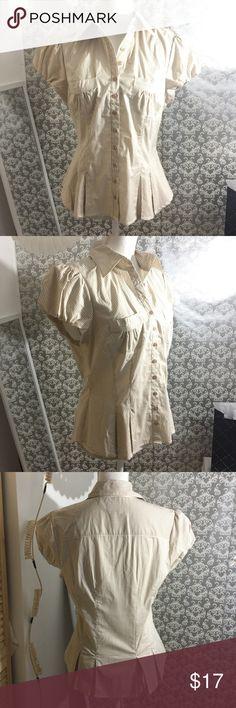 BEBE cream/white short sleeve top Size L bebe Tops