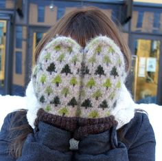 Ravelry: Swedish Forest Mittens pattern by Josefine Martinsson