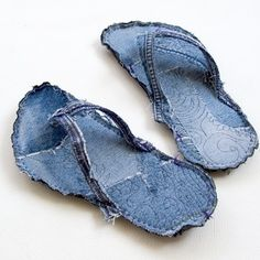 Indoor Bigfoot jeans recycle flip flops tutorial ... make it even gurly'r with fake swarovsky rhine stones, or use linen straps in neon pink or so :)) ~m