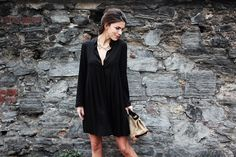Cute shirt dress-I would look pregnant in it but if I had her knees I would wear this for sure:)