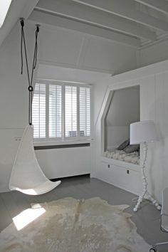 jugendzimmer designideen weiß stehlampe modern einbaubett teppich