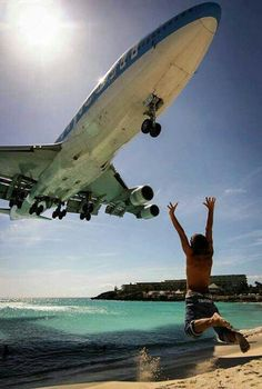 Corsairfly Boeing 747-422 F-HSEA on final approach to St Maarten-Princess Juliana, April 2009. (Photo: Anthony Guerra - AirTeamImages)