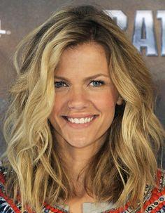 Brooklyn Decker Medium Wavy Cut - Medium Wavy Cut Lookbook - StyleBistro  @Samantha Dunn this would look nice on you!!