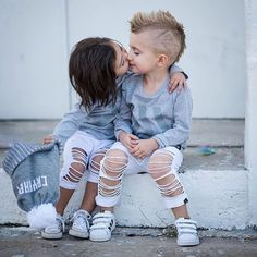 Super Ideas For Fashion Kids Photography Sibling Cute Kids Pics, Cute Baby Pictures, Cute Boys, Cute Baby Couple, Cute Baby Girl, Cute Babies, Cute Kids Photography, Kids Fashion Photography, Photography Poses