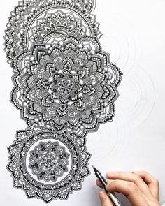 WEBSTA @ mandalasbym_ - Started on this funky mandala(s) last night  Going to be interesting to see how it turns out!