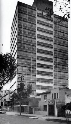 Edificio de oficinas, Av. Baja California en la esquina de Chilpancingo, Condesa, México DF nd    Arq. Jaime Herrasti Donde