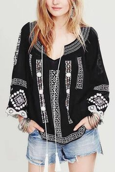 Fall casual outfits.Black Lace Splicing Sleeve Embroidered Blouse