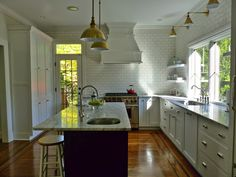 No upper cabinets? Kitchen reno dreams