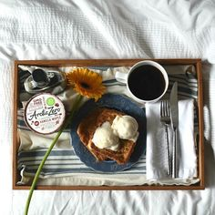 Moms. We love you. Tag a mom you think deserves to be spoiled this Mother's Day! #ARCTICZERO #breakfastinbed #MothersDay