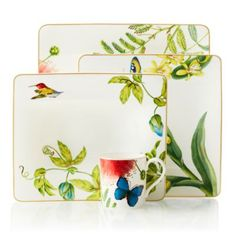 Safari style dinnerware and animal prints to dress your table with exotic interest. Color Of The Year 2017 Pantone, Buffet Plate, Casual Dinnerware, China Dinnerware, Glass Fusing Projects, British Colonial Style, Good Morning Flowers, Flower Fashion, Floral Rug