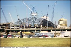 Toronto Rogers Centre (Formerly the SkyDome) under construction Toronto Architecture, Historical Architecture, Toronto Ontario Canada, Toronto Photos, Toronto Blue Jays, World's Fair, Old Photos, Vintage Photos, Urban Photography
