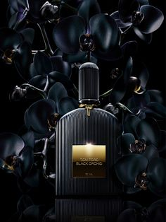 Black Orchid Tom Ford perfume - a fragrance for women 2006 Tom Ford Black Orchid, Perfume Glamour, Perfume Hermes, Boutique Parfum, Toms, Fragrance Parfum, Smell Good, Black Gold, Black Tie