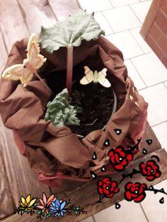 Burlap Wreath, Wreaths, Home Decor, Door Wreaths, Deco Mesh Wreaths, Interior Design, Home Interior Design, Floral Wreath, Home Decoration