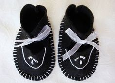Baby Shoes.  Hand Embroidered in Black and White. by Dowdlebug, $13.99