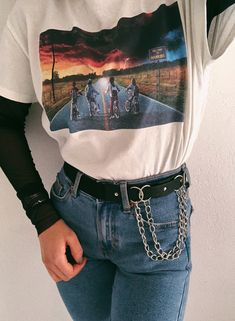 chaines details Edgy fashion girl inspiration looks outfit strangerthings style 771734086129642851 Cool Summer Outfits, Cute Casual Outfits, Edgy Outfits, Mode Outfits, Swag Outfits, Spring Outfits, Aesthetic Fashion, Aesthetic Clothes, Look Fashion
