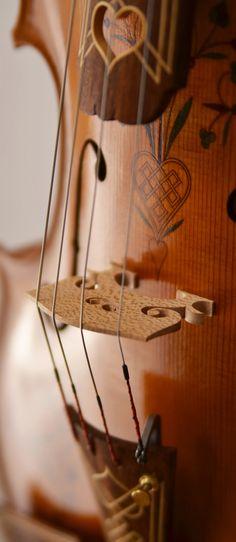 松楓庵 haja&Chi violin-makers: アルマンニのカタチ 〜装飾ヴィオラ〜