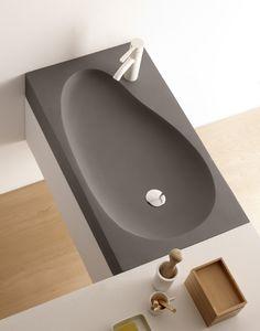 Beranga, lavabo de cemento, Cement & Terrazzo, Natural Series by Bathco. Ref 08018, medidas 800x450x120 mm Concrete Bath, Concrete Wood, Concrete Projects, Concrete Design, Concrete Countertops, Bathroom Sink Design, Modern Bathroom Design, Wash Basin Cabinet, Washbasin Design
