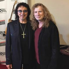 Tony Iommi of Black Sabbath and Dave Mustaine of Megadeth Heavy Metal Rock, Heavy Metal Music, Heavy Metal Bands, Black Metal, Hard Rock, Metallica, Tony Iommi, Metal Horns, Dave Mustaine
