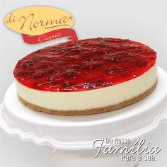 Cheesecake de Morango: Delicioso creme de queijo sobre fina camada de biscoito e coberto com geleia de morango. #love #DiNorma #cake #curta #siga e #compartilhe