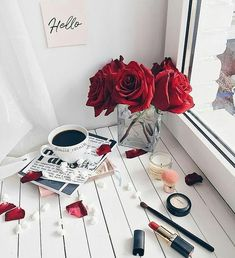 Flat lay photography ideas and inspiration. Flat Lay Photography, Rose Photography, Photography Ideas, Red Aesthetic, Coffee Love, Black Coffee, Belle Photo, Girly Things, Red Roses