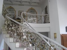 Stair Railings Iron Luxury - http://www.potracksmart.com/stair-railings-iron-luxury/ : #StairDesign Stair Railings Iron Luxury-Handrail as an integral part of building design. Apart from the main effect is to create safety for the user when climbing stairs, railings are designed in harmony with the interior architecture, matching space will create an area of ​​charm and luxury to the throne In ...