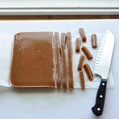 How To Make Soft & Chewy Caramel Candies — Cooking Lessons from The Kitchn Mole, How To Make Carmel, Chocolates, Carmel Candy, Candy Crafts, Homemade Candies, Candy Making, Easy Chicken Recipes, Candy Recipes