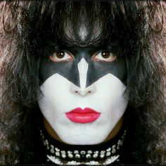 For a brief second this is how Paul envisioned his makeup, glad he decided against it Kiss Images, Kiss Pictures, Bruce Dickinson, Power Metal, Death Metal, Black Metal, Kiss Group, Kiss Costume, Kiss Rock Bands