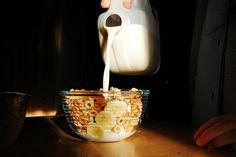 Imagem de milk, banana, and cereal