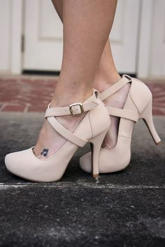 These nude heels are everything this spring.  http://wp.me/p8sfaK-1gK
