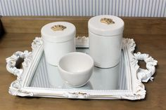 Kit Porcelana Com Coroa e Bandeja Com Espelho #kitporcelana #tulipababy #kithigiene