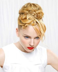 Extravagant holiday hairstyle :: one1lady.com :: #hair #hairs #hairstyle…