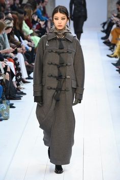 Max Mara | Ready-to-Wear Autumn 2020 | Look 16 Fall Winter, Autumn, Max Mara, Canada Goose Jackets, Ready To Wear, Winter Jackets, How To Wear, Fashion, Winter Coats